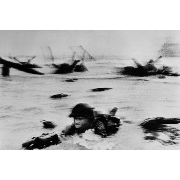 N50 - 100 Photos de Robert Capa pour la liberté de la presse